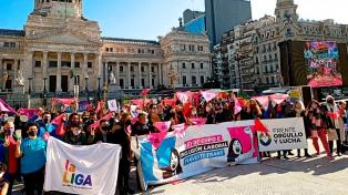 Cuáles son las iniciativas privadas que se sostienen más allá del mes del Orgullo para personas LGBTI+