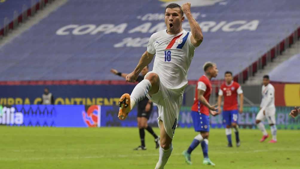 Samudio abrió la cuenta para los paraguayos en la victoria ante Chile (Foto: @Copaamerica)