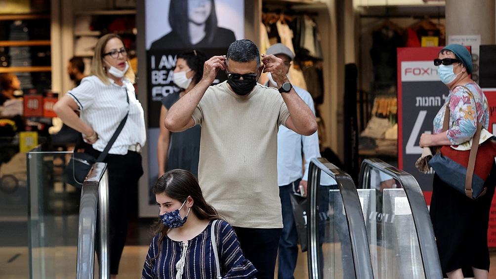 """""""Esperamos que todo el público cumpla plenamente con las cuarentenas, con las pruebas al final del período (de aislamiento), con las vacunas y con el uso de máscaras"""", dijo el primer ministro Naftali Bennett."""
