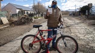 """La campaña en la estepa patagónica: el """"trabajo hormiga"""" para vacunar en Pilcaniyeu"""