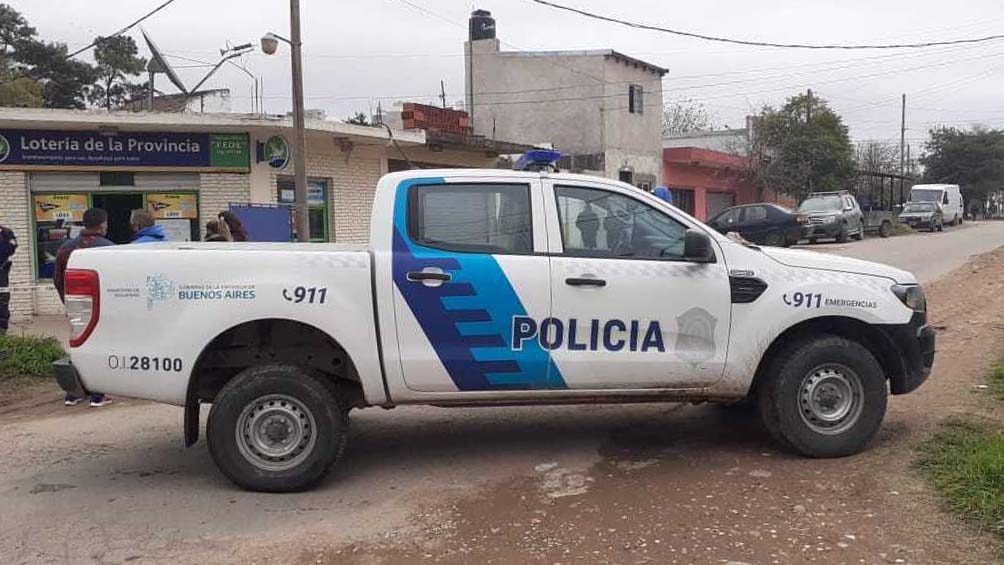 Personal de Policía Científica realizaba los peritajes correspondientes bajo la supervisión de la fiscal de la causa.