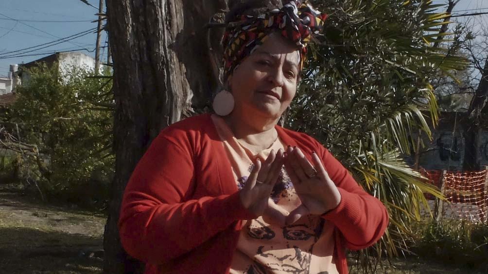 Gladys Flores es integrante de TeMA (tertulia de mujeres Afrolatinoamericanas, Negras(si)Marronas).
