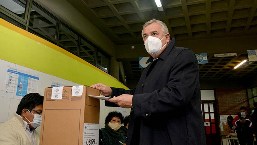 Morales votó y se manifestó expectante por la participación ciudadana