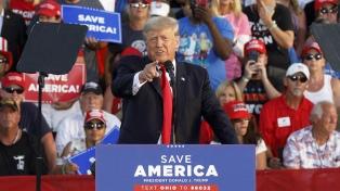 """En su """"gira de la venganza"""" Trump acusó a Biden de """"destruir la Nación"""""""