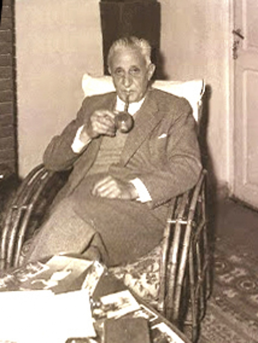Arturo Illia era un hombre de costumbres simples, que no gustaba de usar custodia y prefería viajar en medios de transporte públicos.