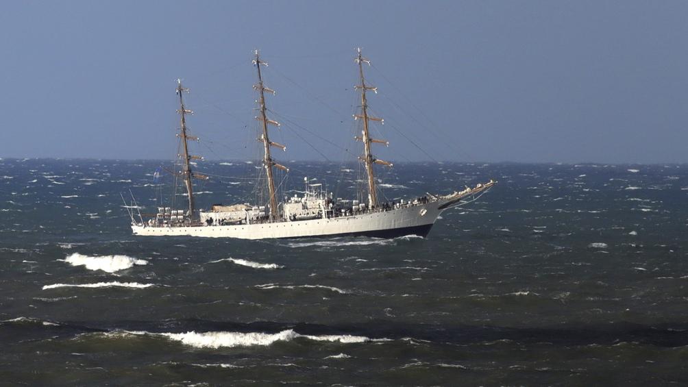 El buque escuela está destinado al aprendizaje, adiestramiento y formación de los futuros oficiales de la Armada Argentina, ya que es el último paso que deben cursar sus alumnos luego de transitar cuatro años en la Escuela Naval Militar.