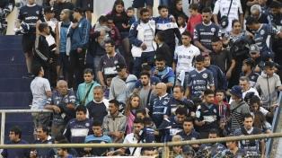 Barras de Independiente Rivadavia amenazaron al plantel y dirigentes de regreso a Mendoza