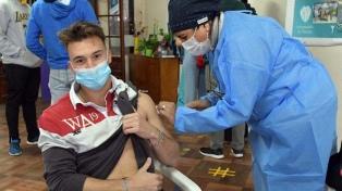 La vacunación avanza y ya alcanza a los jóvenes sanos