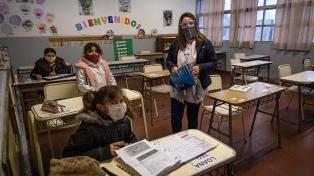 Los docentes bonaerenses vacunados deberán reintegrarse a sus funciones