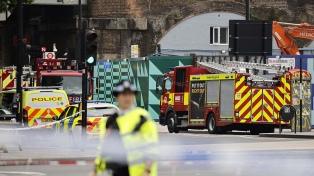 Una explosión seguida de incendio se registró en una estación del metro de Londres