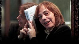 Tras 60 años de omisión, la obra de la poeta uruguaya Cristina Peri Rossi es publicada en Argentina