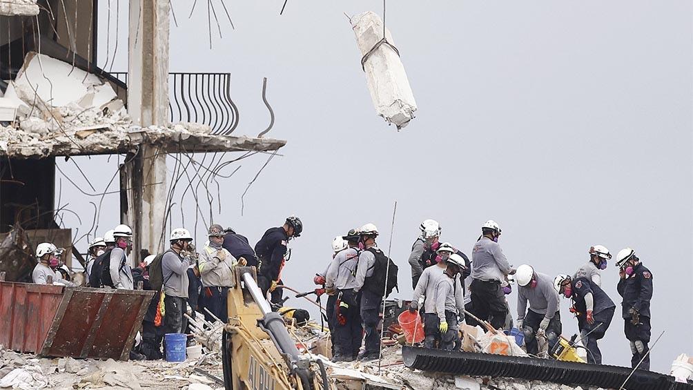 Miami: suben a 16 los fallecidos por el derrumbe del edificio