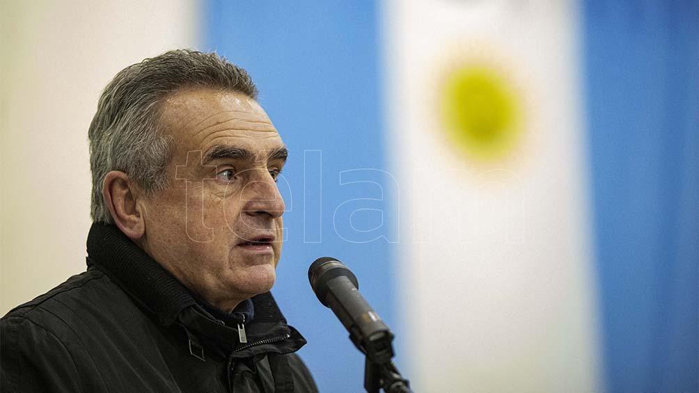 También en Santa Fe se renuevan bancas en el Senado y allí radica la clave de las disputas, con el ministro de Defensa Agustín Rossi entre los protagonistas.