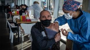 """Docena: """"Las tres vacunas que hay en Argentina se pueden combinar sin problema"""""""