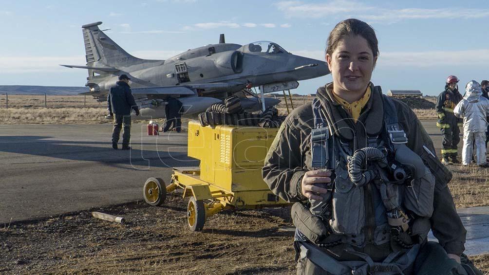 """Sophia Fair, soprannominata """"Capitan Marvel"""", è il primo pilota di caccia dall'Argentina."""