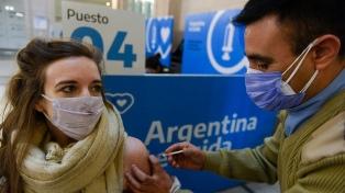 El país alcanzó un nuevo récord con más de 400 mil personas inmunizadas en un solo día