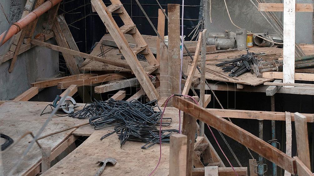 """Según las fuentes, """"se produjo un desmoronamiento de andamios de madera en el subsuelo"""". Foto: Victoria Egurza."""