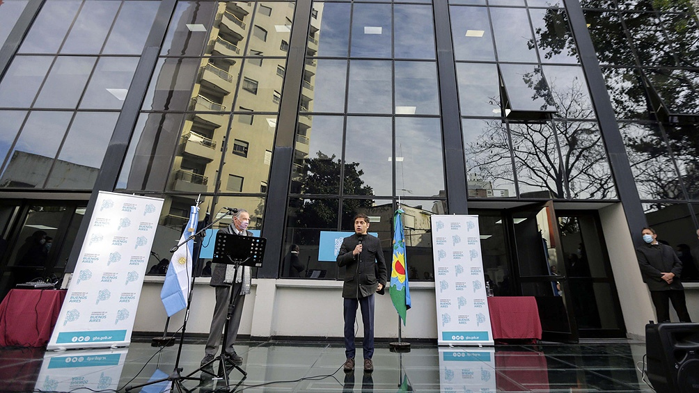 Durante el acto, el mandatario estuvo acompañado por el Secretario General de Gobierno, Federico Thea.