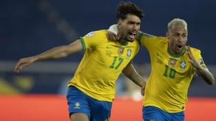 Brasil aprovechó su chance y venció a un difícil Chile