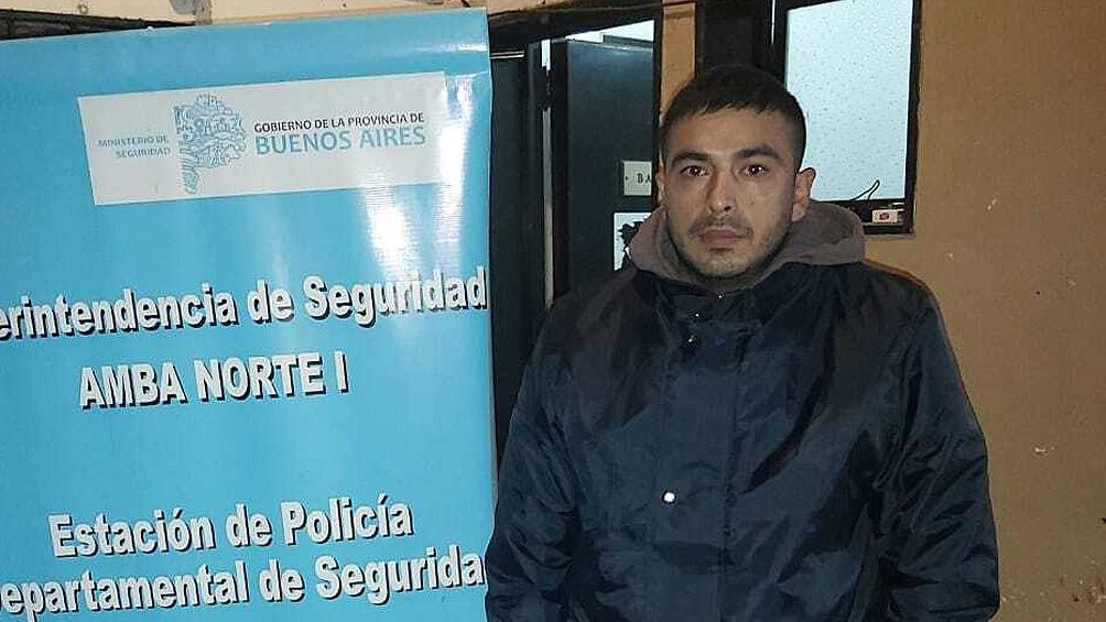 """El hombre identificado como Juan Pablo Garro (27) quedó detenido acusado de """"Desobediencia en flagrancia""""."""