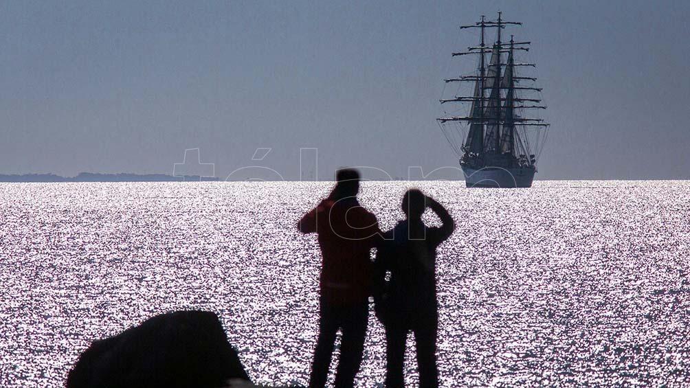 La embarcación no ingresará a la Base Naval marplatense como lo hace habitualmente. Foto: Diego Izquierdo.