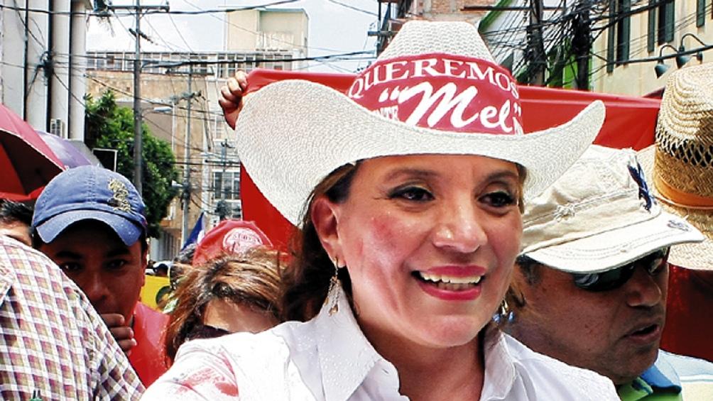 Castro, de 61 años, se convirtió en 2013 en la segunda mujer hondureña en ser candidata oficial a la Presidencia