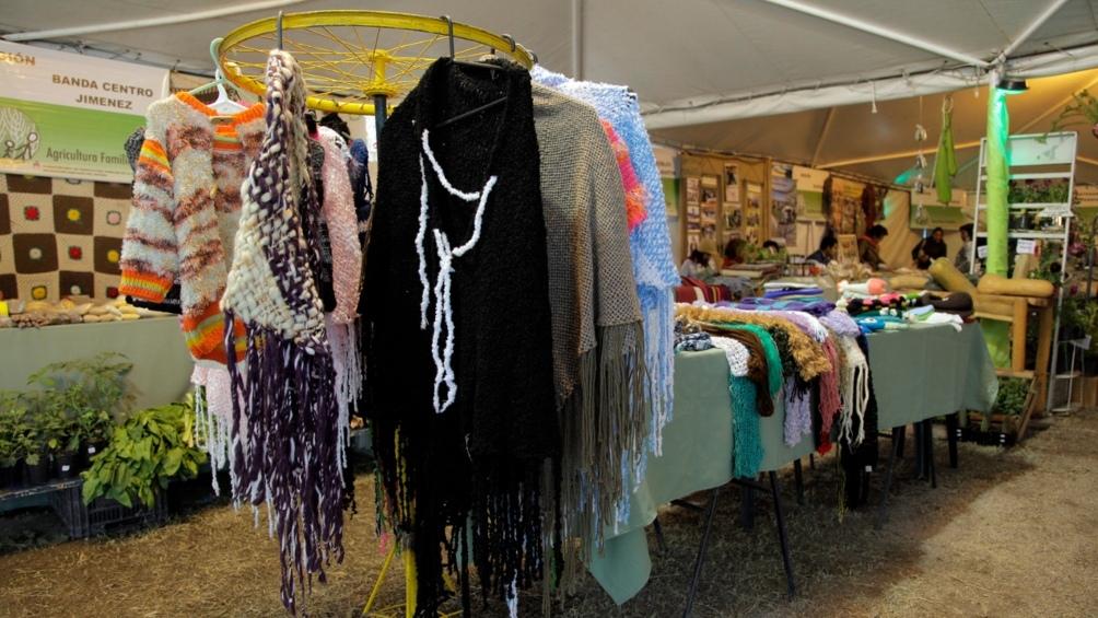 Las artesanías como ponchos, bombos y utensillos en madera serán una tentación para el turista que visite Las termas.