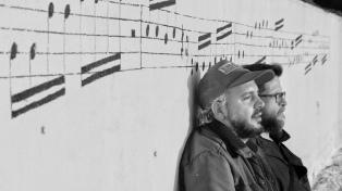 Un mural homenajea a Charly García en la terraza de su propio edificio