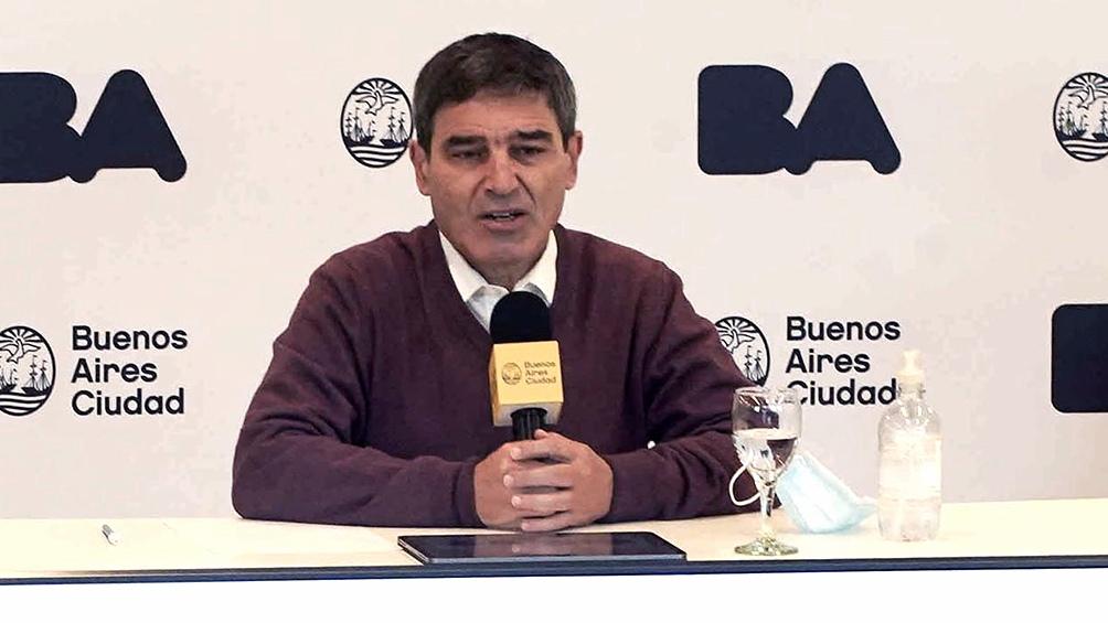 """Quirós dijo que el objetivo es """"acortar el período de vacunación"""" de segundas dosis"""