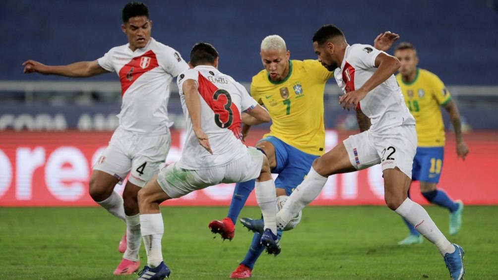 Duro segundo tiempo en el duelo entre Brasil y Perú (Foto: @CopaAmerica)