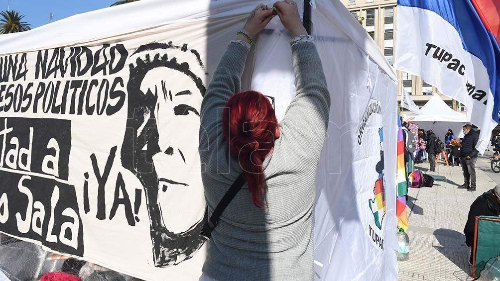 Con banderas y carteles, manifestaciones similares, solidarias con Milagro Sala, se realizaron durante el fin de semana en distintas ciudades europeas como en París, Francia, y en Bruselas, Bélgica, entre otros lugares.