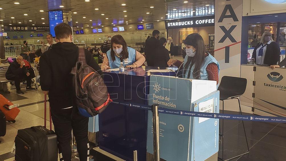 """Analizan la posibilidad de implementar """"vuelos especiales"""" para casos que requieran el arribo de urgencia al país."""