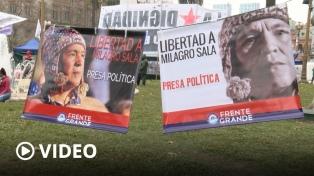 Instalaron 2000 carpas en Plaza de Mayo en reclamo de la libertad de Milagro Sala