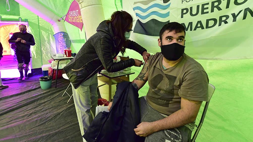 """El municipio priorizó la vacunación de los empleados del sector turístico para ofrecer a los visitantes un """"destino seguro""""."""