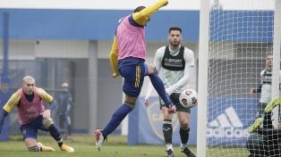 Boca le ganó a Sarmiento en un amistoso con goles de Medina y Pavón