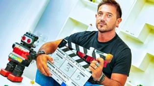"""Nicolás Onetti finalizó el rodaje de """"The Last Boy on Earth"""" y la presenta en Cannes"""
