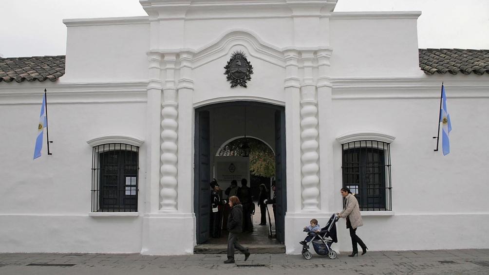 La histórica casa está en la calle Congreso 141, San Miguel de Tucumán.