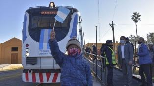 Después de 51 años, volvió el tren de pasajeros a Campo Quijano