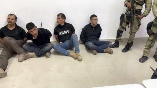 Seis de los arrestados tenían entrenamiento militar de EEUU