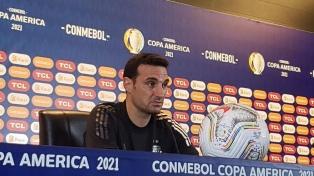 Treinador da seleção de futebol chegou ao país e nos próximos dias vai anunciar a lista para para a tríplice rodada das Eliminatórias