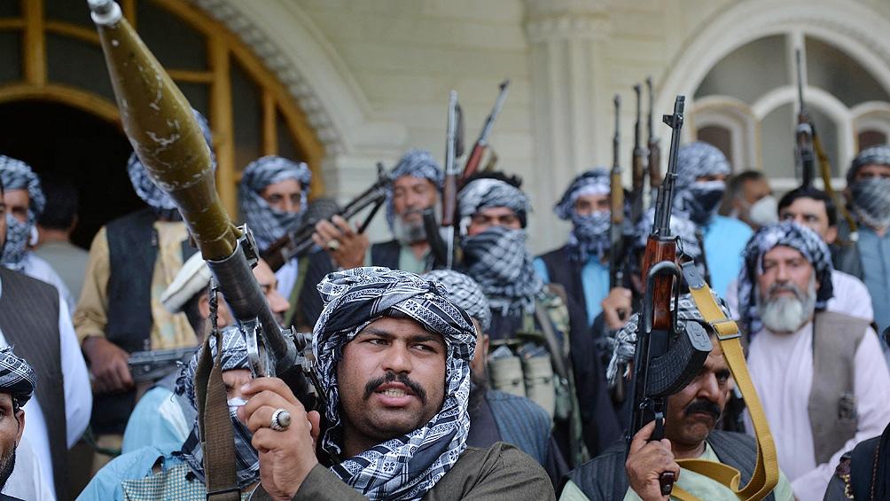 Al Qaeda podría restablecer sus bases en Afganistán, según un estudio.