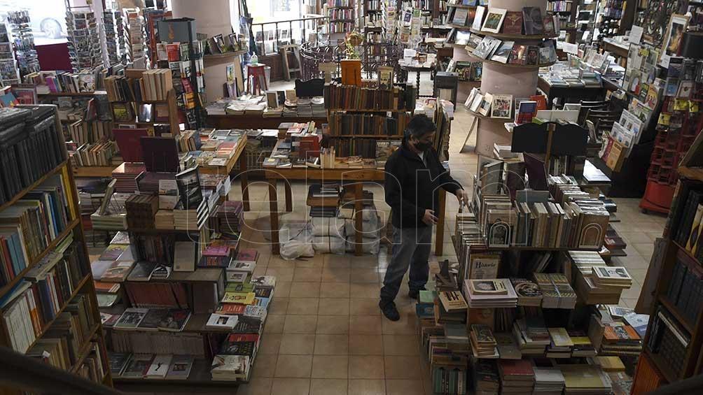 Las librerías porteñas, golpeadas por la pandemia, recurrieron a todo tipo de estrategias para sortear la crisis.