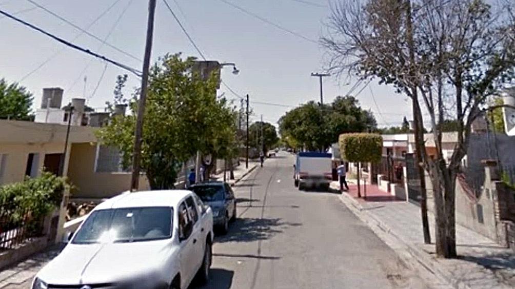 Dos hombres se enfrentaron violentamente en la esquina de Formosa y Juan de Barrientos, en el barrio Las Violetas de Córdoba. Uno de ellos resultó muerto de un tiro.