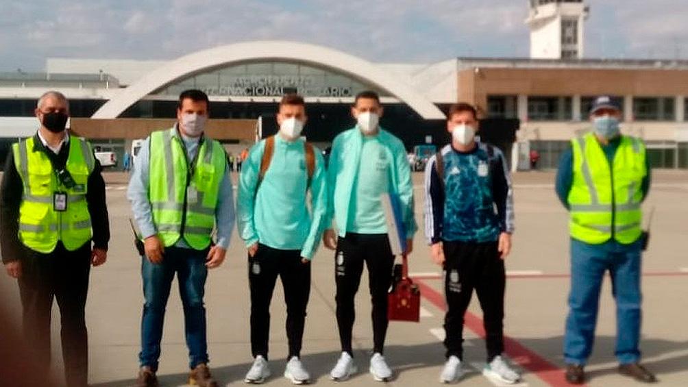 Messi llegó en su avión a Rosario, junto con Di María y Lo Celso