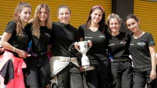 El primer equipo íntegramente femenino del automovilismo se afianza en las pistas
