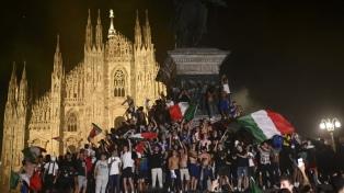 Los italianos invadieron las calles de su país para festejar la Eurocopa