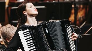 La acordeonista Sidorova lleva a Piazzolla al festejo televisado del Concierto de París