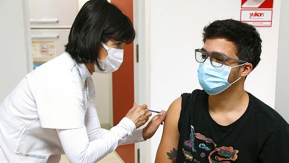El plan de vacunación de Argentina lleva al momento 36.998.484 aplicaciones. Foto: Archivo Télam
