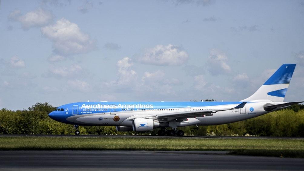 El Airbus 330-200, bajo el número AR1092, tiene previsto partir a las 12.50 desde el aeropuerto internacional de Ezeiza.