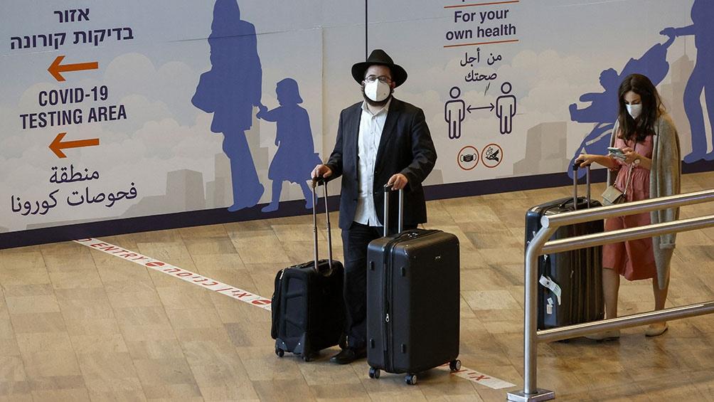 Para hacer frente a la pandemia, el Gobierno aplica restricciones en los vuelos y aeropuertos.